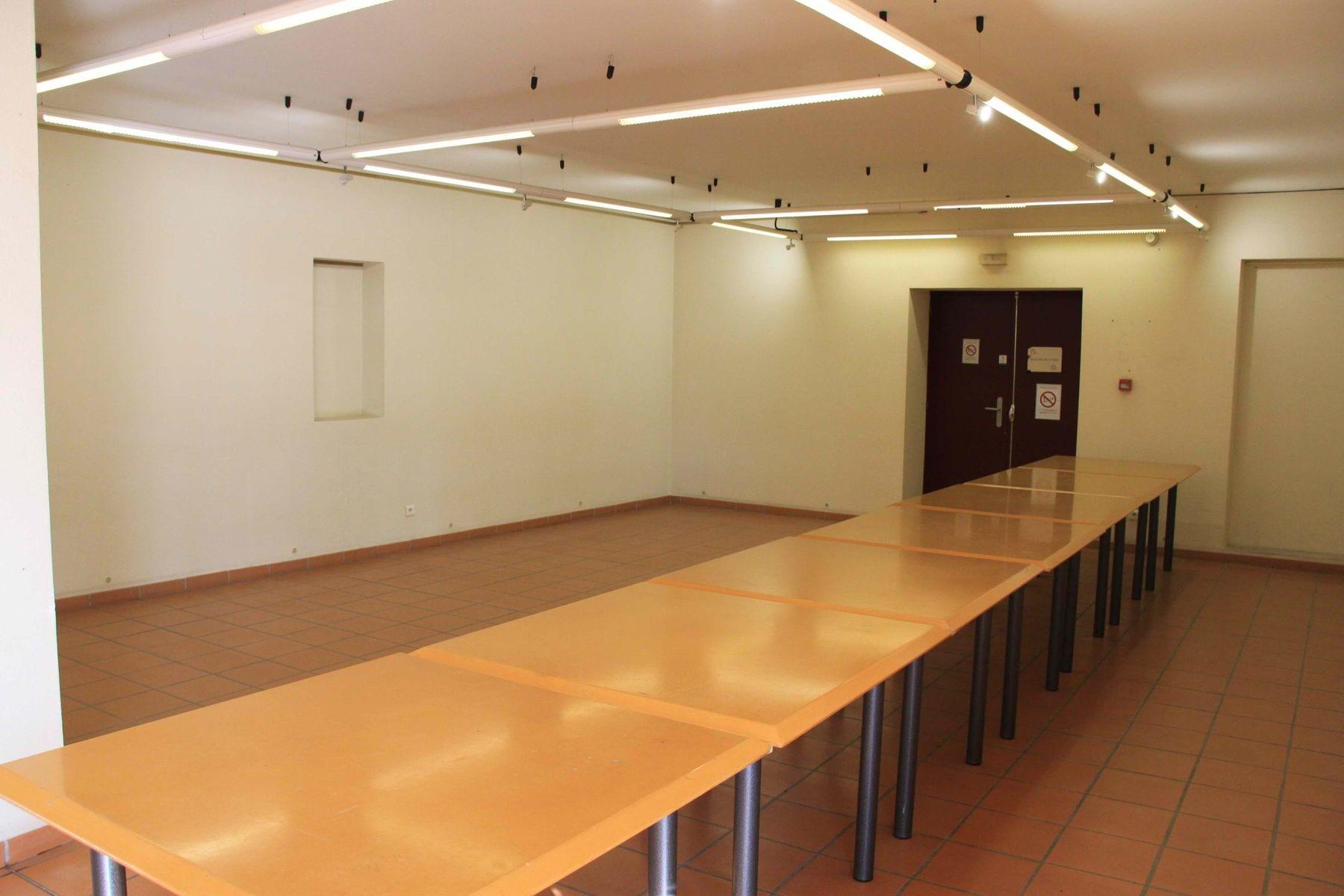 Intérieur de la salle (1)